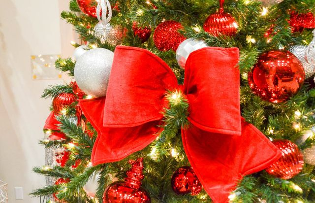 Christmas Specialists Commercial Christmas Decorators Christmas Decorating Company