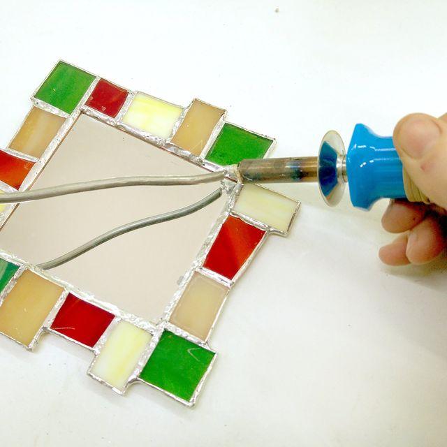 Como cortar un espejo cmo cortar vidrio espejos with como - Que hacer si se rompe un espejo ...