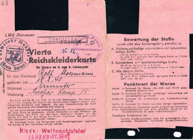 3acb736d184d61 1943-06-30 Vierte Reichskleiderkarte vom Munsteraner Rolf Alvermann. Mit  Siegel der ausstellenden Behörde Gemeinde Munster sowie Privatstempel des  ...