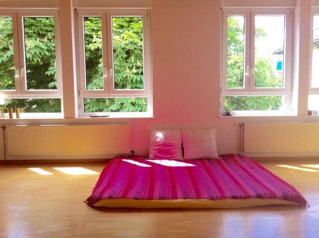 kundalini yoga thai yoga massage kurse workshops behandlungen ausbildungen. Black Bedroom Furniture Sets. Home Design Ideas