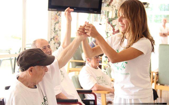 ONG de yoga solidario  Yoga significa unión, unámonos