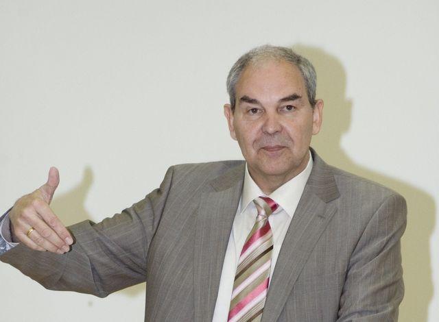 Thomas Gutknecht beim Vortrag