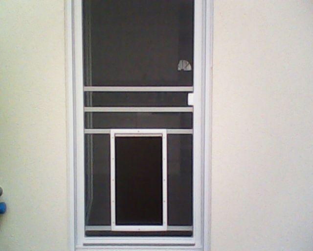 Perfekte integration auch zwischen Tür und Rolladen