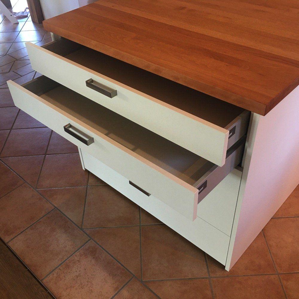 Kücheninsel mit Massivholz Arbeitsplatte