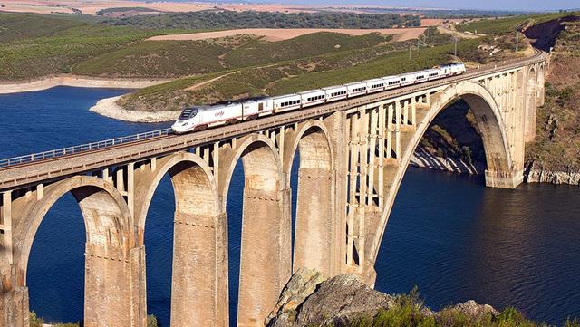 Arqueología industrial ferroviaria: el Viaducto Martín Gil (Zamora), un  estudio de Contexto
