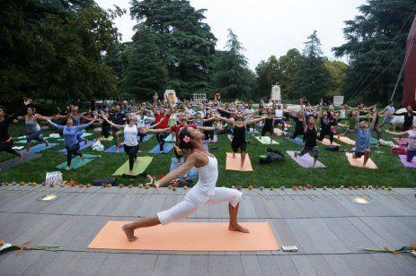 Praticare Yoga è un incredibile opportunità per scoprire parti sconosciute  del nostro corpo a5ac6e0ea5e2