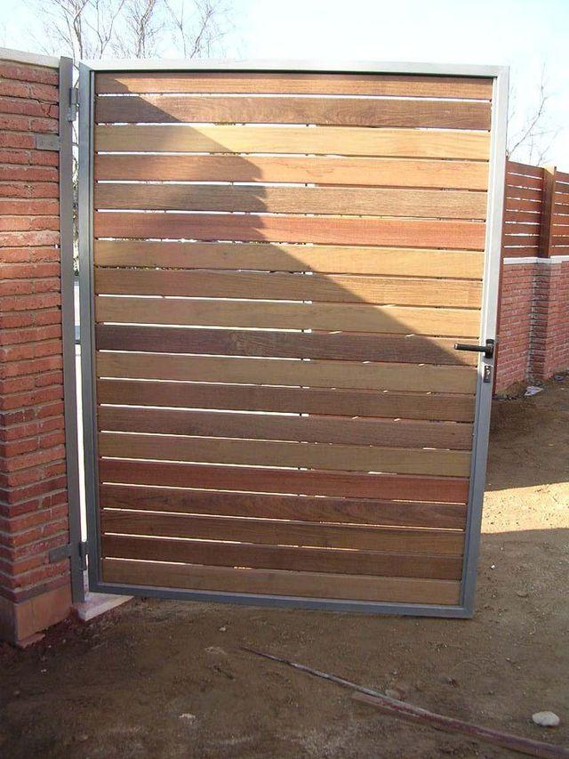 Venta e instalaci n puertas de madera batientes abatibles for Puertas madera barcelona