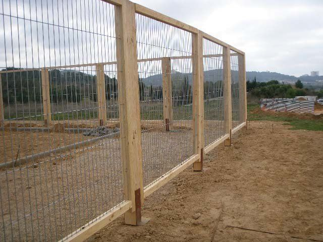 Venta e instalaci n de vallas y verjas de madera - Vallas y cerramientos ...
