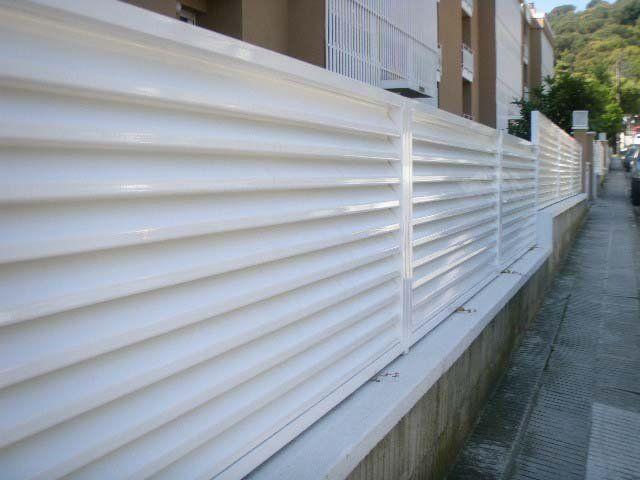 Venta e instalaci n de vallas y verjas decorativas for Vallas decorativas