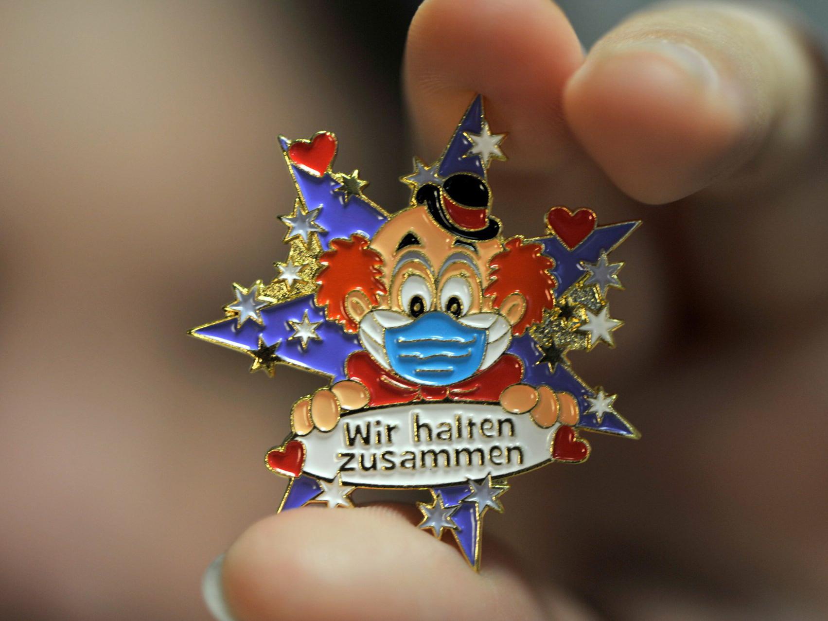Allgemein Schneekugel Karnevalsprinz Schmitzens 12,5 cm Prinz Sch/üttelkugel Figur Karneval